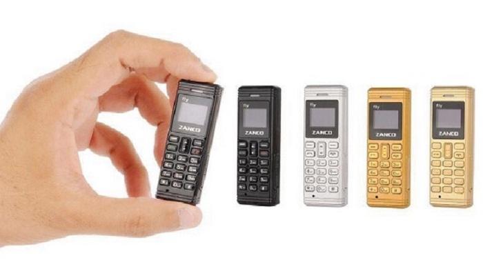 Ponsel Terkecil Di Dunia Ini Hanya Berbobot 13 Gram
