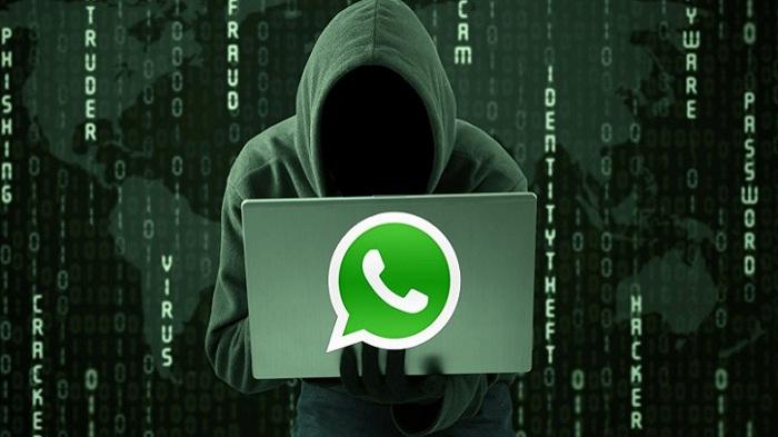 cara hacker sadap pesan di grup WA