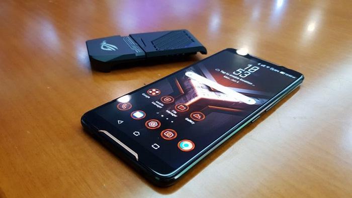 Asus ROG Phone, Ponsel Khusus Gaming Pesaing Razer Dan Xiomi Black Shark