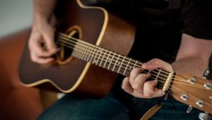 Aplikasi Kunci Gitar Terbaik Untuk Smartphone Android