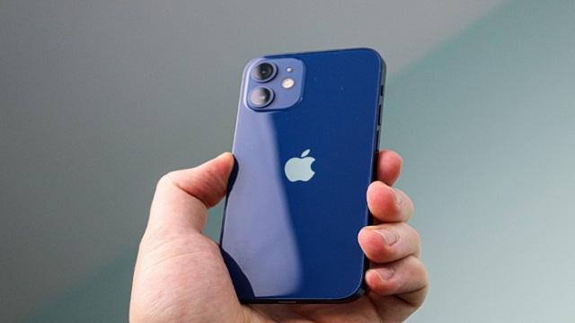 Kumpulan Kode Rahasia iPhone yang Jarang Diketahui